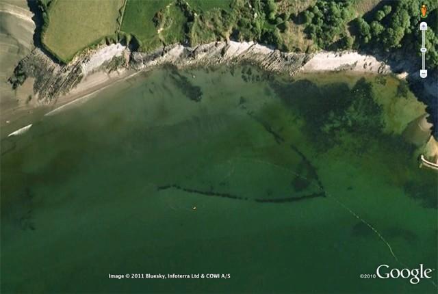 Капан за риби, открит с Google Earth
