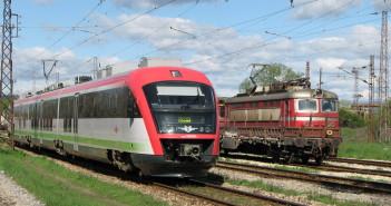 Пускат отново влаковете, спрени на 12 януари