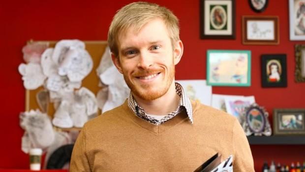 Създателят на крем за премахване на татуировки Алек Фолкънам