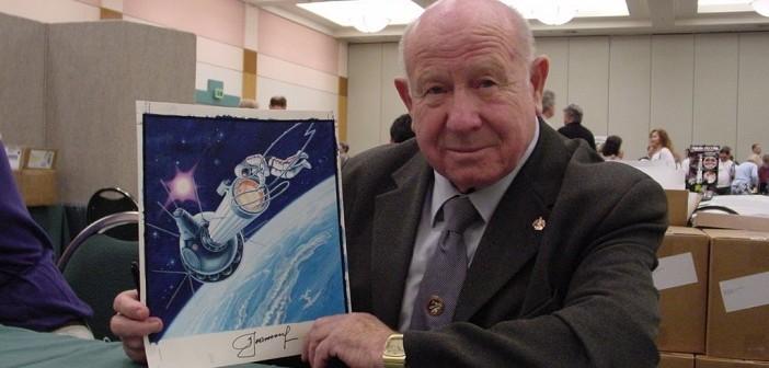 Алексей Леонов, първият човек, излетял в Космоса