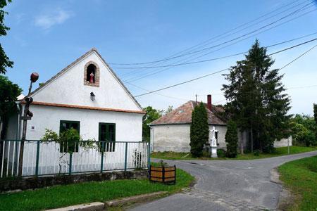 Унгарското село Мегер под наем