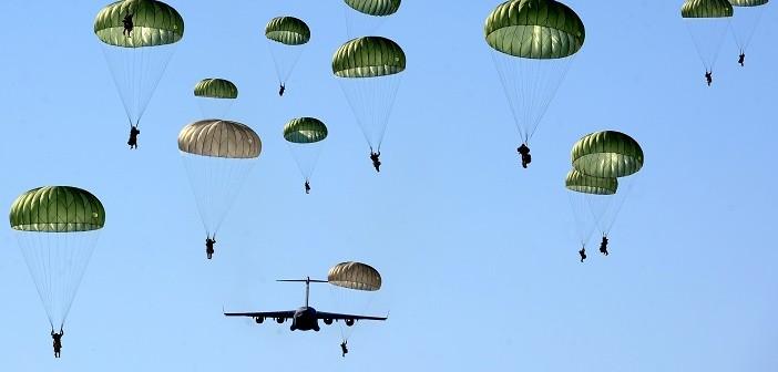 скокове с парашут