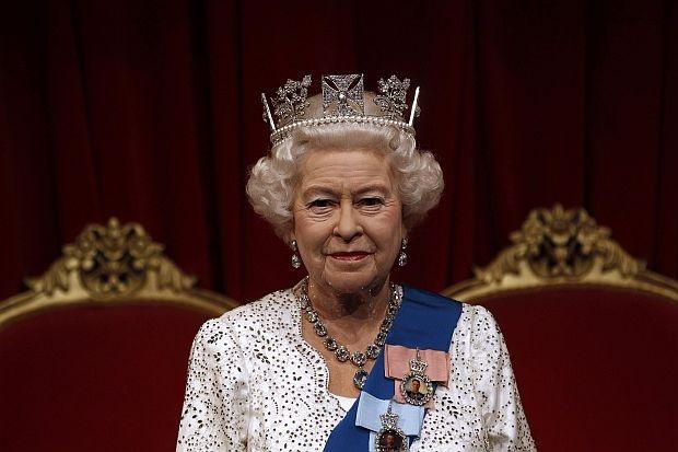 Кралица Елизабет навърши 89 години, Принц Уилям излезе в отпуск