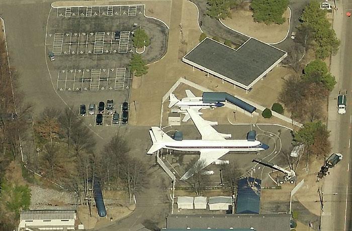 Двата частни самолета на Елвис Пресли