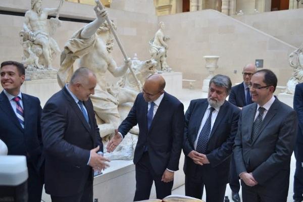 15 въпроса за изложбата в Лувъра след отговорите на министъра