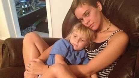 майка уби сина си със сол в храната - Лейси Спиърс и Гарнет