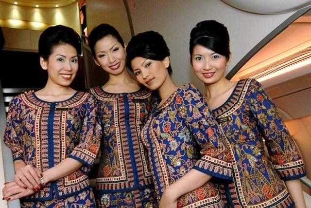 Стюардесите на Singapore Airlines