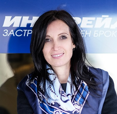 Ивета Кунова, Инстрейд