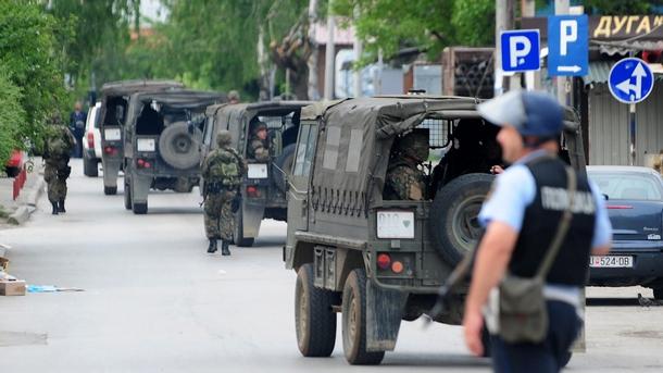 Куманово под полицейска обсада, населението се евакуира