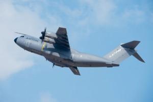 Военнотранспортен самолет се разби в Испания, има жертви (видео)