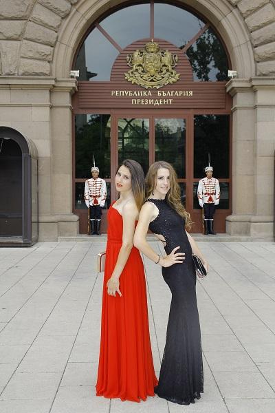 Мая Нешкова, Весела и Йоана Икономови