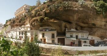 Сетенил де Лас Бодегас, Испания, Градът на боговете