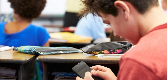 смартфон, ученици, учители, забрана
