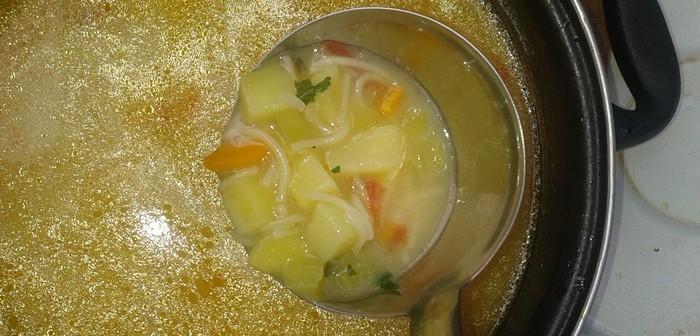 Градинска супа с коприва