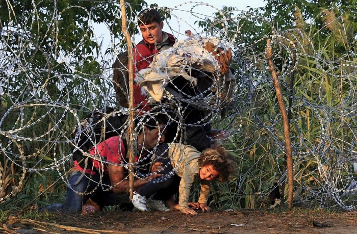 Кървава луна, мигранти, Европа, бежанци, Бойко Борисов
