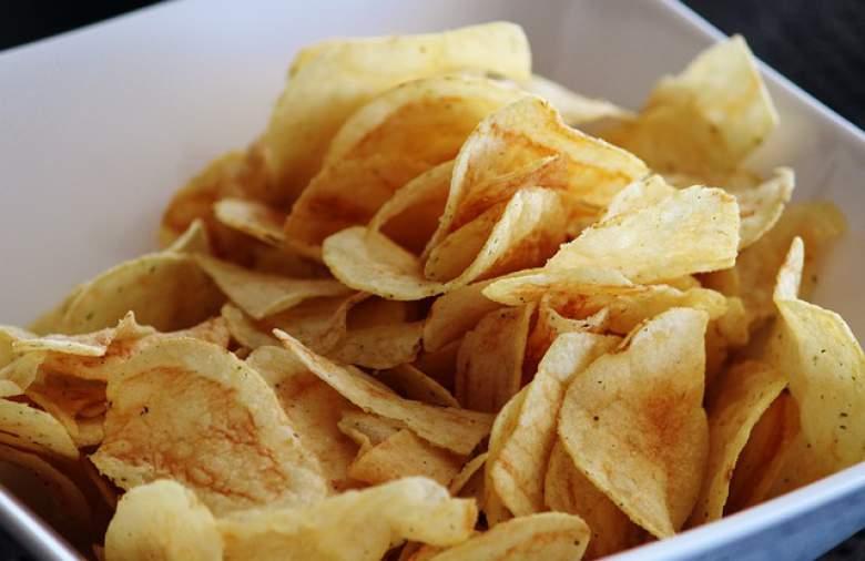 Препечени филийки и хрупкави картофки – ОПАСНИ!