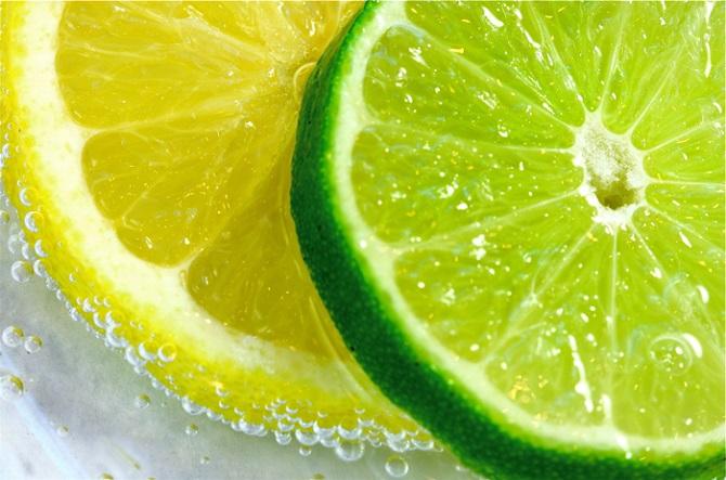 лимон, магданоз, целина, спанак, очистващ микс на д-р Оз чисти всички мазнини от тялото, топла вода с лимон