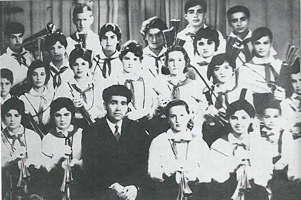 ученически духов оркестър, мажоретен състав, Велинград, Димитър Мечев, Костадин Филипов