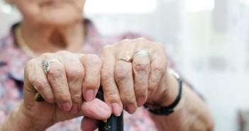 Какво помага при старческа деменция?