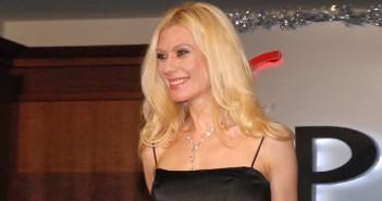самолетните полети на Елена Ангелова, Мис България 1999