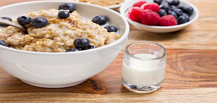 закуска, овесени ядки, горски плодове