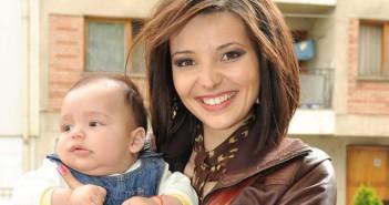 Ева Кикерезова със сина си Никола