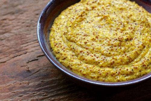смес от горчица, мед, хималайска сол и вода за болки в ставите