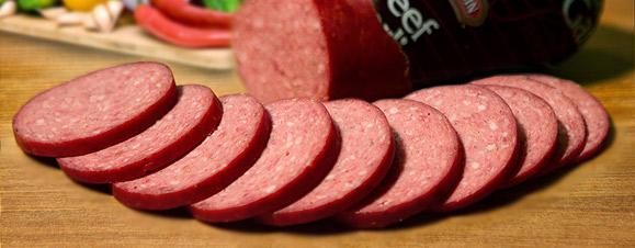 Вегетарианците имат солидни аргументи да не поглеждат месо, но доста от причините да не се яде месо са по-близки до митологемите, а не до реалността. Убедете се сами!