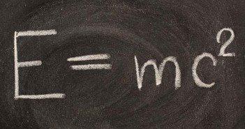 Еленко Ангелов, Теория на относителността, Алберт Айнщайн