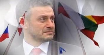 Соломон Паси, Еленко Ангелов, Отблясъци