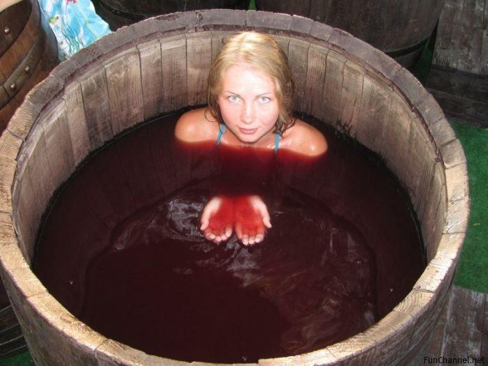 винотерапия или вана с червено вино