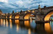 Карловия мост в Прага е започнат на 9 юли 1357 година