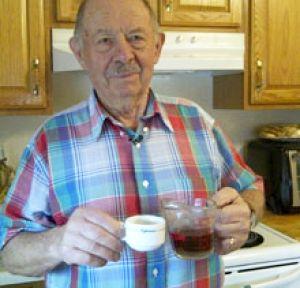 Джон Ди Карло пребори рака с чай от корени на глухарче