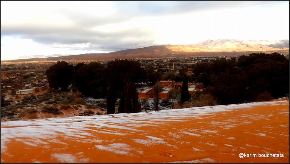 Сахара е покрита със сняг