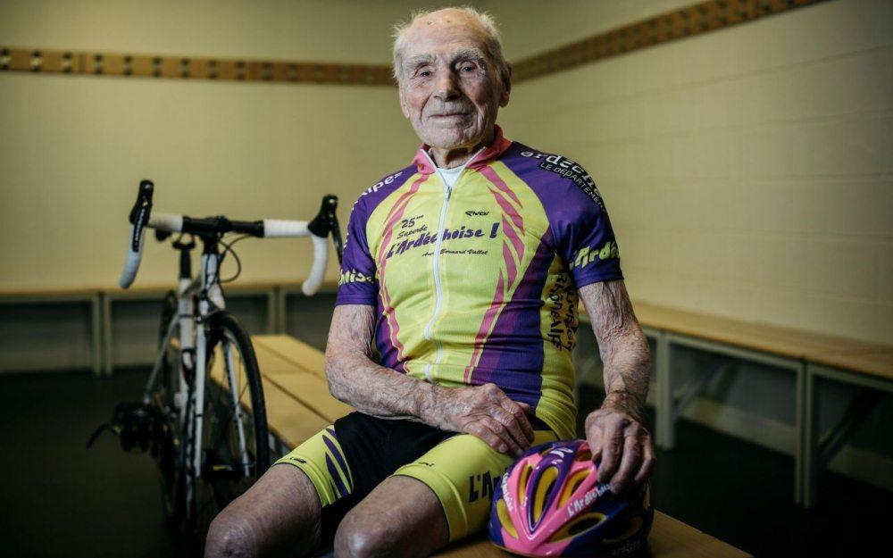 105-годишен мъж с нов рекорд в колоезденето