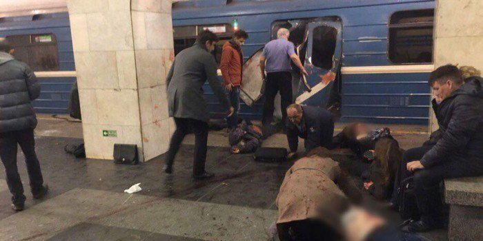 Експлозия в метрото в Санкт Петербург
