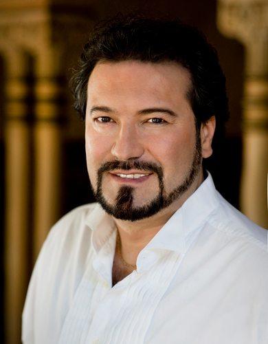 Карло Коломбара като Атила