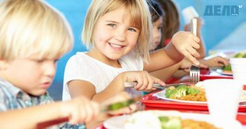 хранене на децата